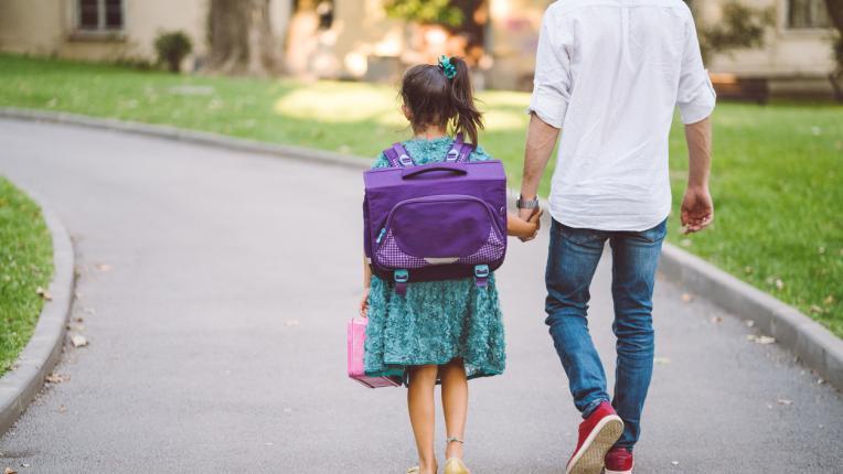 Как да помогна, ако детето не харесва учителя