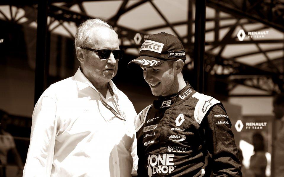 Пилот от Формула 2 загина в брутална катастрофа