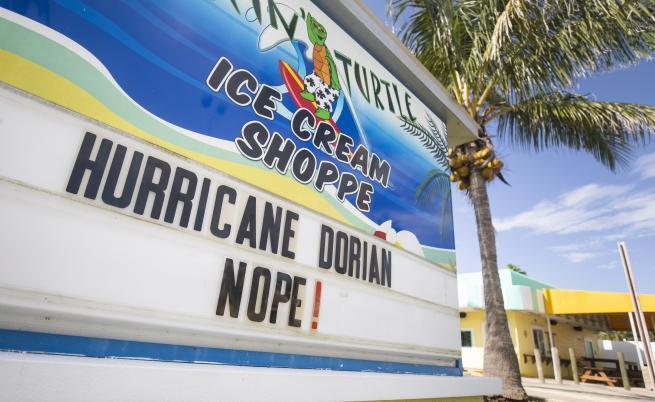 Ураганът Дориан достигна Бахамите, ветрове от 240 км/ч