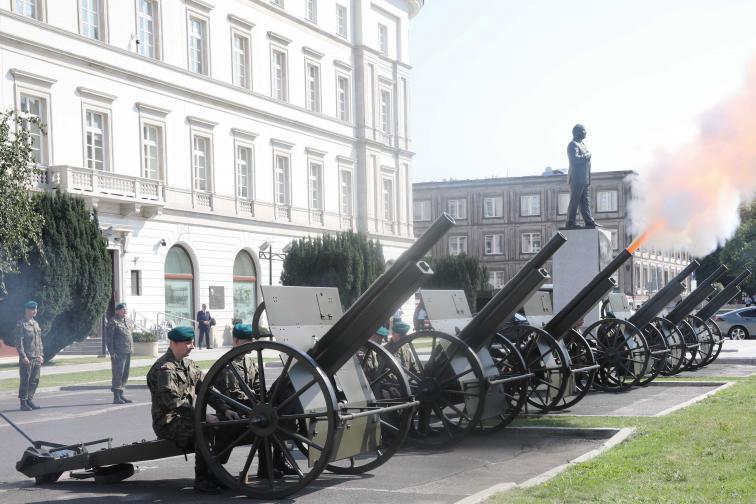 варшава церемония втора световна война