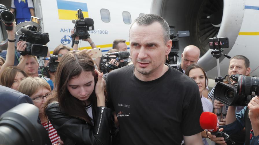 <p>Русия пусна Сенцов, Украйна- свидетел за убийството на 283 души</p>