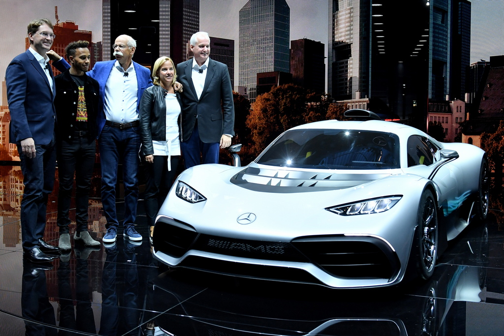 <p>Mercedes-Benz Project ONE Hypercar</p>