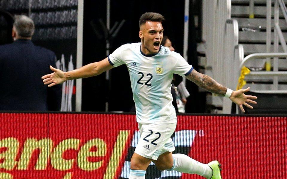Отборът на Аржентина записа впечатляваща победа с 4:0 над Мексико