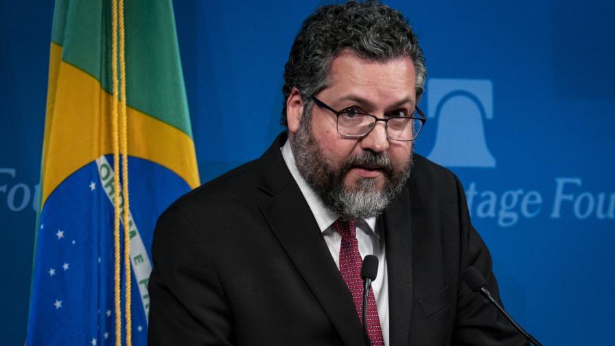 Министърът на външните работи на Бразилия Ернесто Араужо