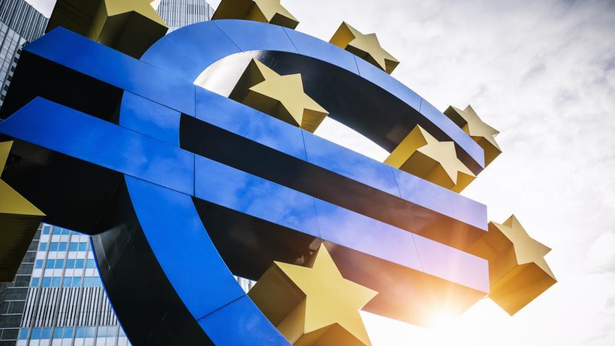 <p>Решението за България&nbsp;в чакалнята на еврозоната - в близките дни</p>
