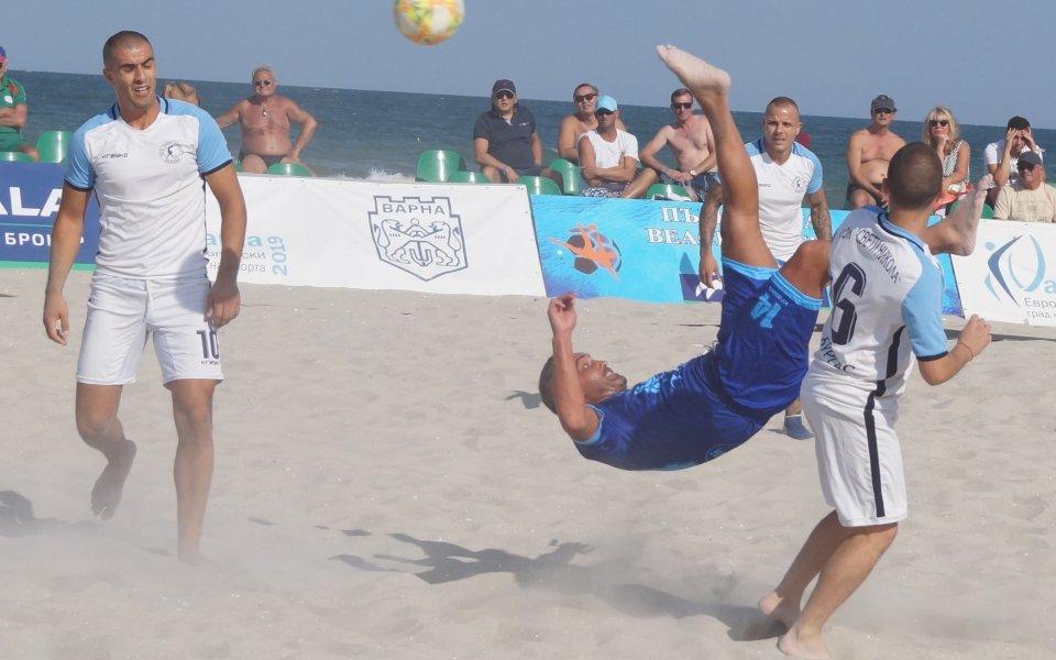 23 гола само в първите два мача от Суперфиналите по плажен футбол
