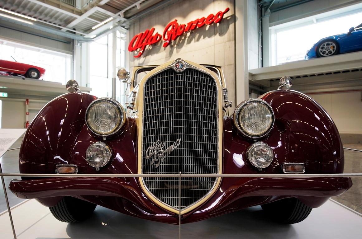 <p>Alfa Romeo 6c Castagna</p>