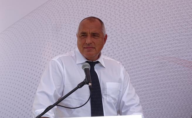 Борисов: Отивам си от политиката, когато АМ
