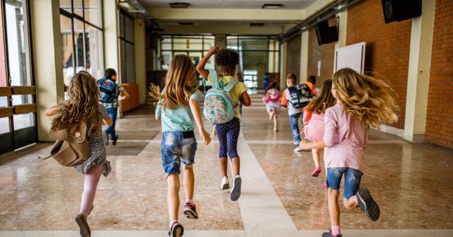 На училище Две от най-уникалните училища по света (СНИМКИ) Представяме