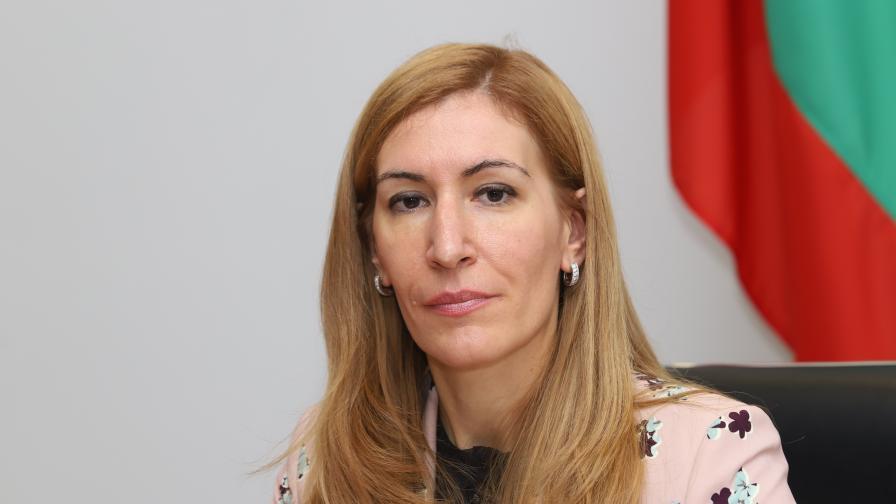 Aнгелкова: Няма да затваряме хотелите при случай на COVID-19