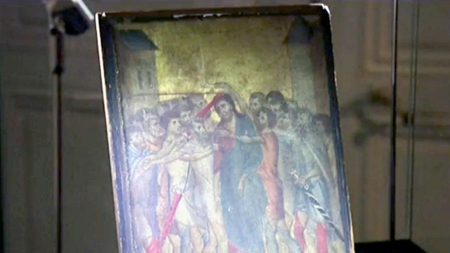 <p>Жена разбра, че картината над печката й е от <strong>13 век</strong>&nbsp;&nbsp;(ВИДЕО)</p>
