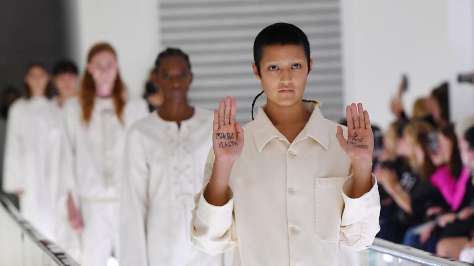 Гучи ревю протест мода