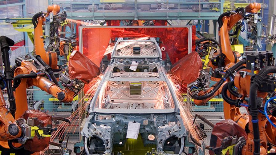 Заводът на Mercedes-Benz в Зинделфинген.