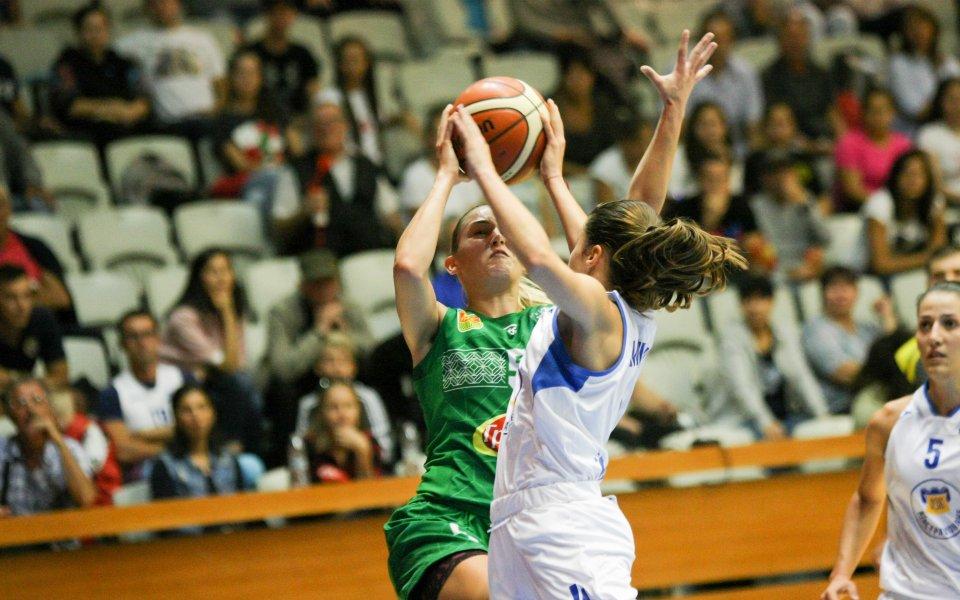 Първенецът на България по баскетбол при жените Монтана 2003 започна