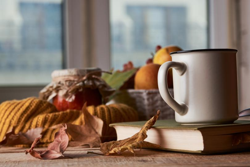 <p><strong>Градински чай</strong></p>  <p>Той има много лечебни свойства, включително противовъзпалителни и подсилващи имунитета действия. Градинският чай е чудесен за болки в гърлото и кашлица. От пресни или сушени листа може да се направи чай или да се добавят към други готварски рецепти.</p>