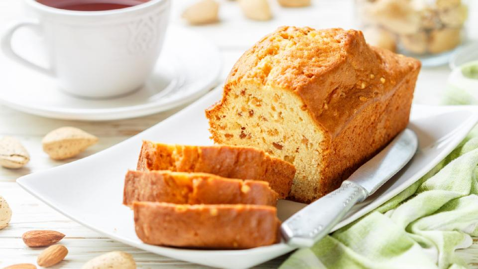 Меден кейк с кафе