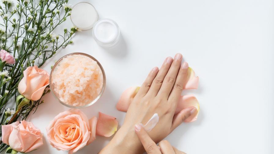 <p><strong>6 необикновени приложения</strong> на крема за ръце</p>
