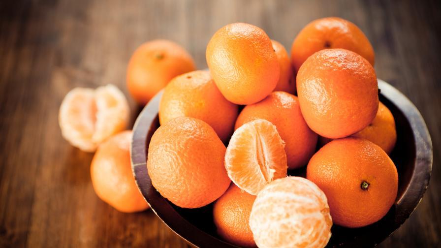 <p>Ето <strong>защо </strong>трябва да ядем<strong> мандарини по-често</strong></p>
