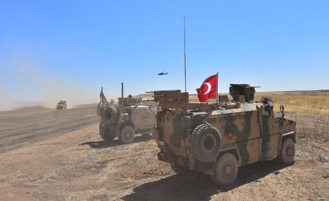 Турски танкове и бронирани машини влязоха в Сирия