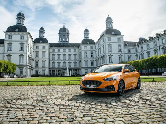 Ford Focus ST галерия