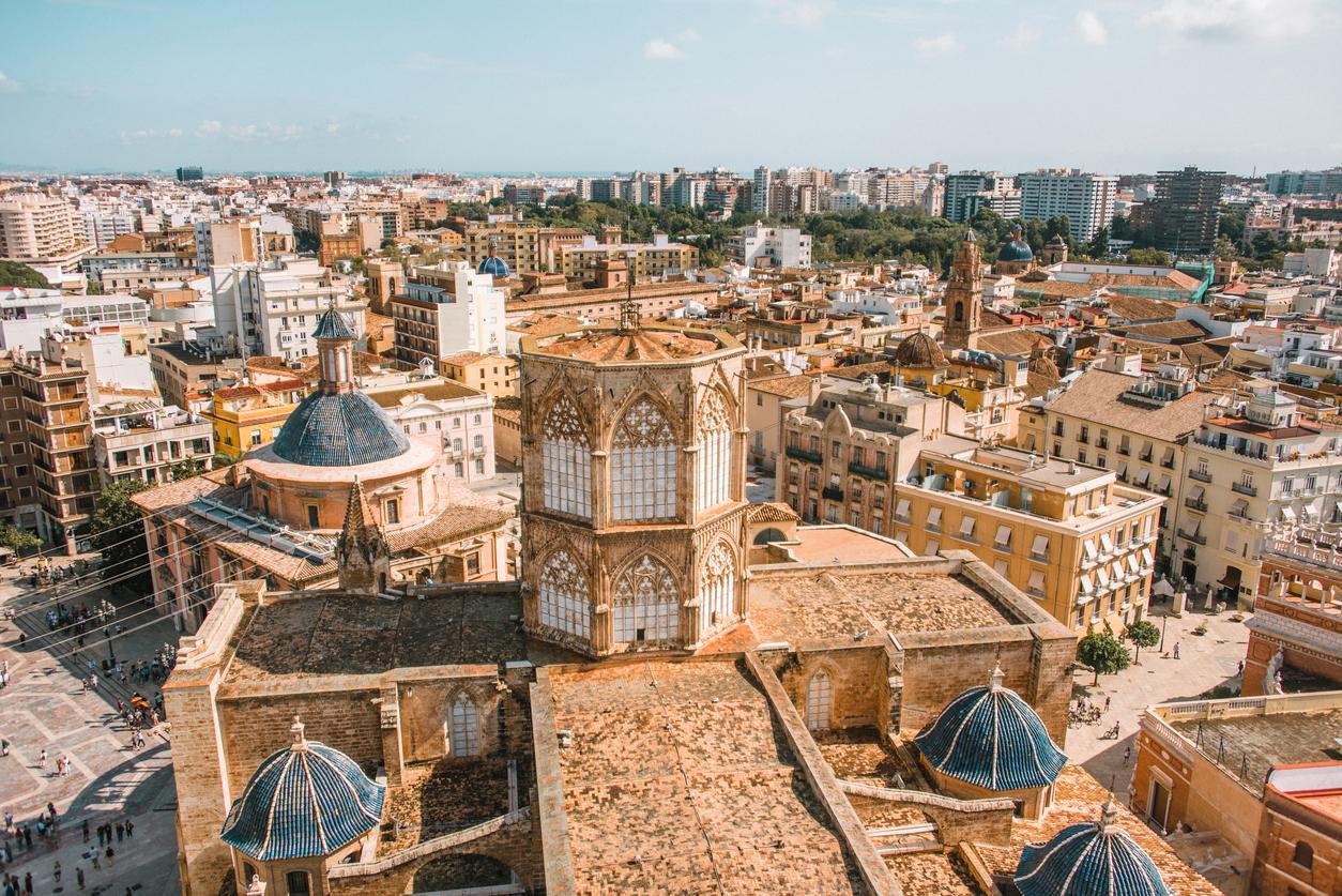 """<p align=""""center""""><strong>ЛЪВ &ndash; Валенсия, Испания</strong></p>  <p align=""""center"""">Вие сте истински огън. Ето защо идеално ви подхожда дестинация, на която да се почувствате като у дома си, а именно &ndash; Испания.</p>"""