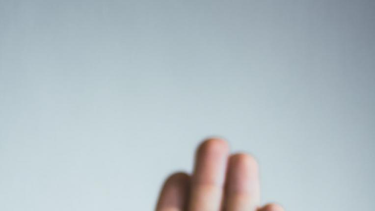 Какво разкриват линиите върху китката за вас?