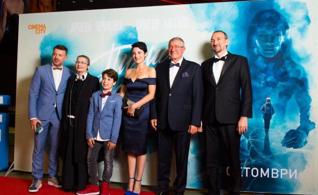 """""""Писма от Антарктида"""" излиза на 58 кино екрана в над 30 града днес"""