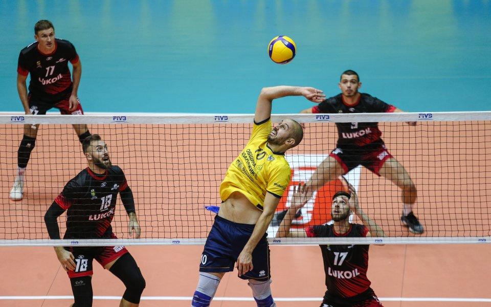 Волейболистите на Хебър Пазарджик и Нефтохимик итраят при резултат 0:0