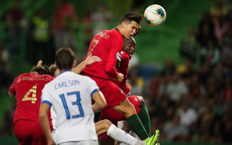 Украйна вкара два на Черниаускас, Роналдо все по-близо до нов рекорд