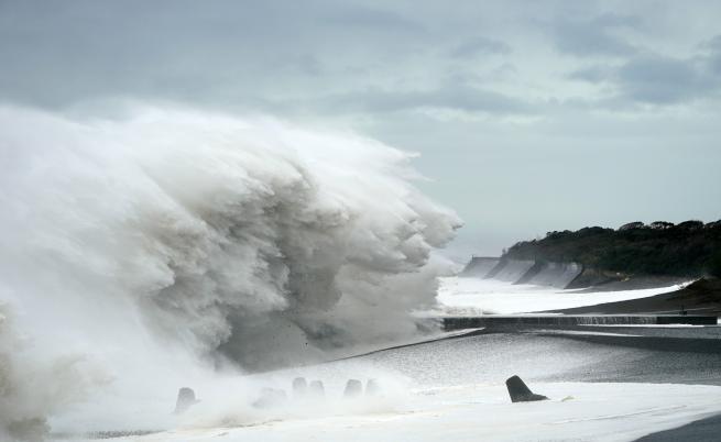 Най-страшният тайфун удари Япония, вижте последиците