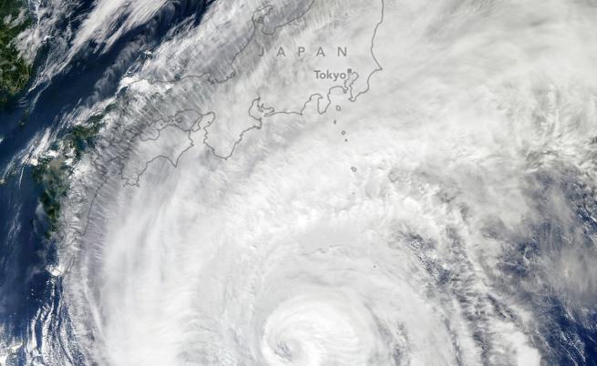 Страшни разрушения, десетки жертви след тайфун в Япония