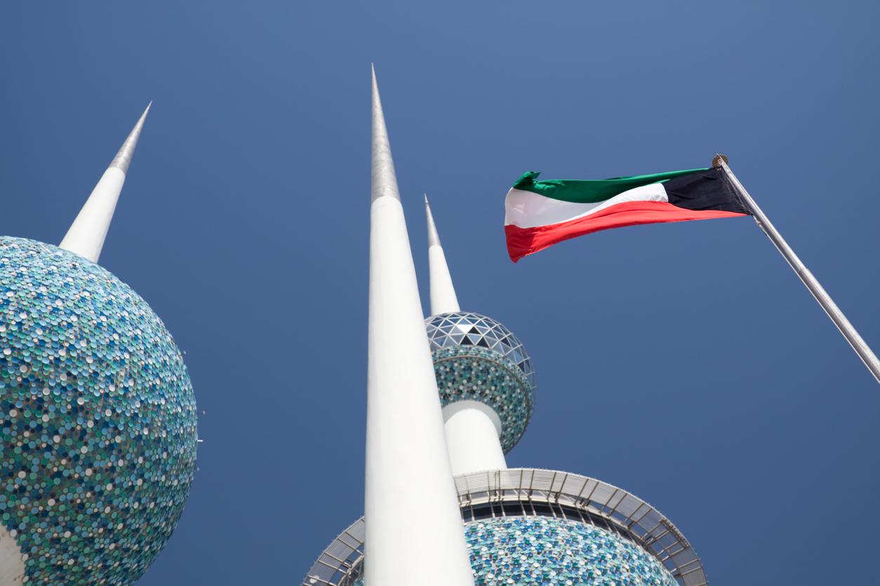 <p>В Митрибах, Кувейт на 21 юли 2016 г. е измерена рекордно висока температура - 54 &deg;C.</p>