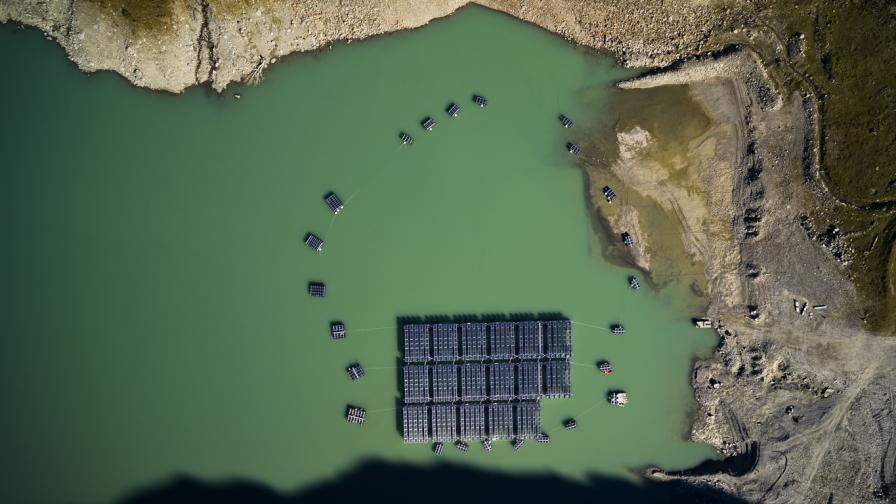 Плаващи соларни електроцентрали строят в...