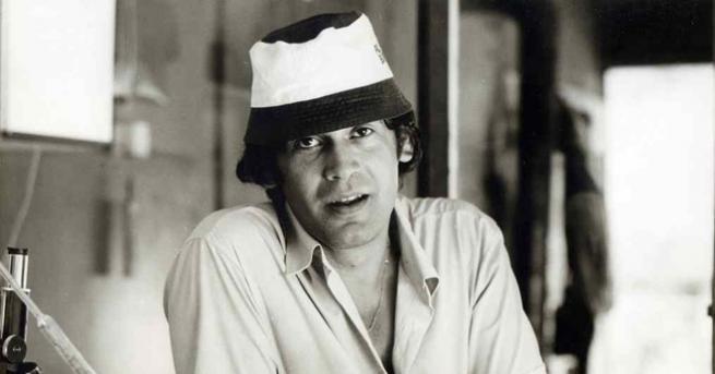 Стефан Данаилов е роден е на9 декември1942вСофия. Мечтае да стане