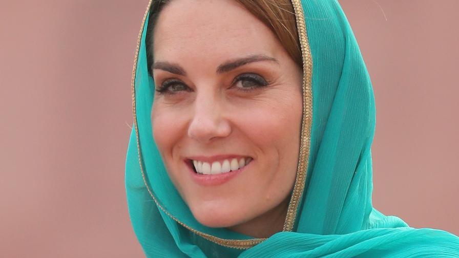 <p><strong>Кейт</strong> и дрехите, с които <strong>не очаквахме да я видим</strong> в Пакистан&nbsp;</p>