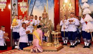 Защо кралят на Тайланднаказа втората си съпруга