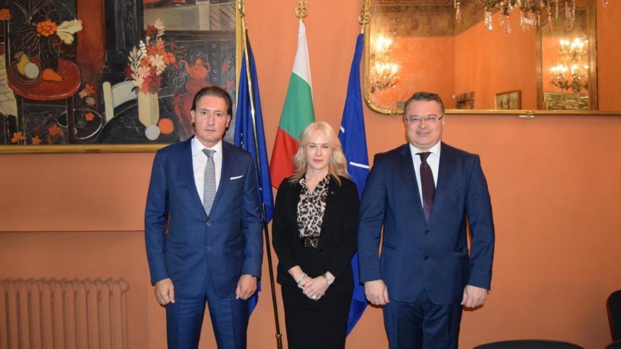 <p>Домусчиев на среща с италианската асоциация на работодателите</p>