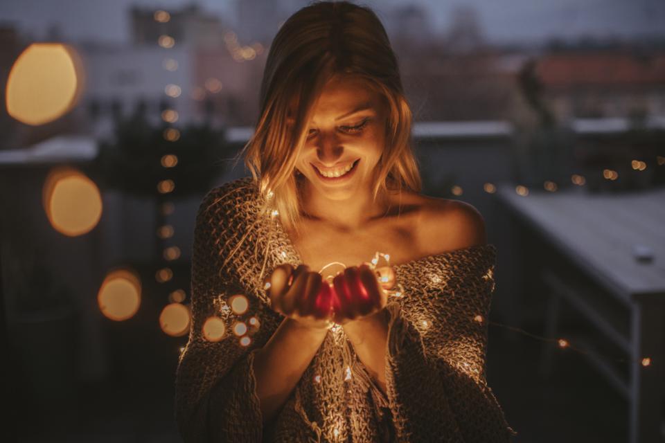 щастие момиче светлини