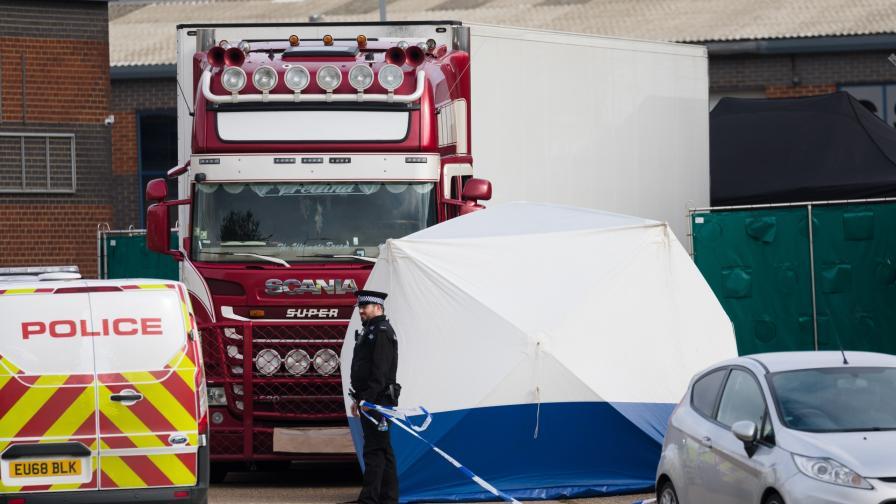 <p>Нови арести заради намерения в Англия камион с трупове</p>