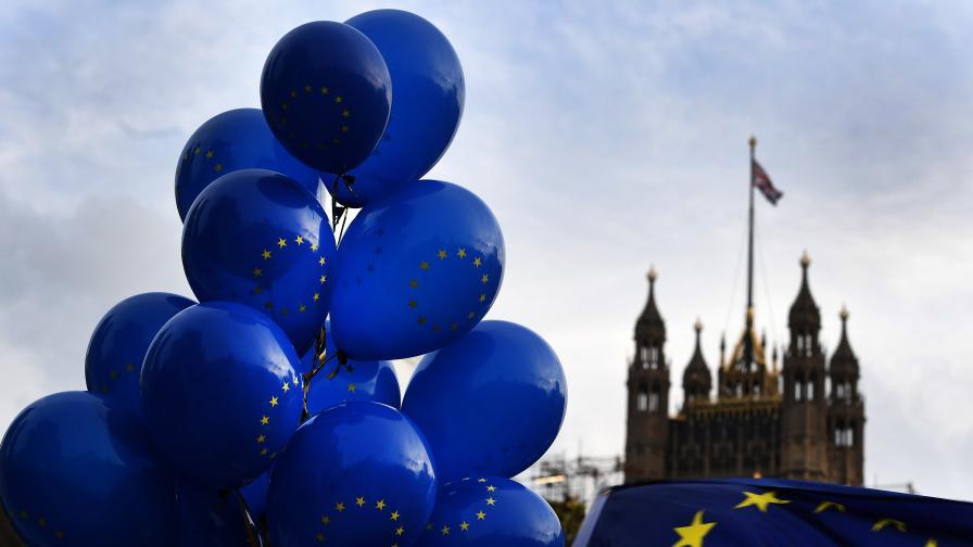 <p>Във Великобритания: Харесаха идеята за предсрочни избори&nbsp;&nbsp;</p>