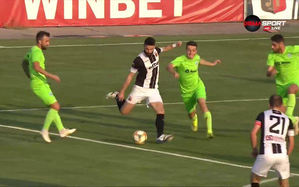 Изключително изпълнение на Димитър Илиев в 14-ата минута и Локомотив