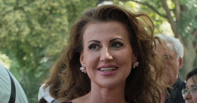 Любопитно 36 години любов: Илиана Раева сподели много специална снимка