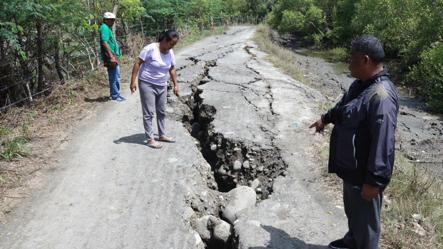 Нов силен трус във Филипините, рухна хотел