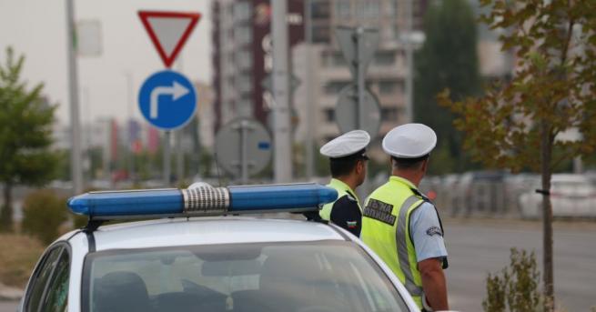 България Двама души загинаха при тежка катастрофа Инцидентът е станал