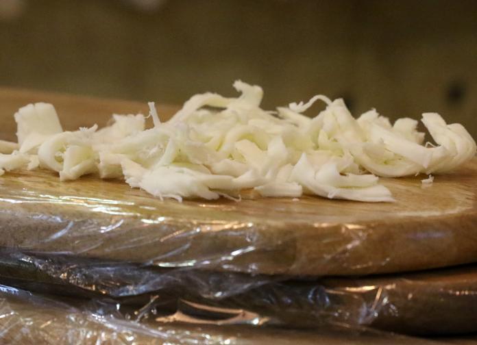 храна месо сирене кашкавал хляб