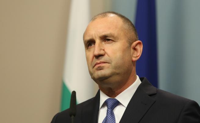 Радев подписа указа за Гешев, иска промяна в Конституцията