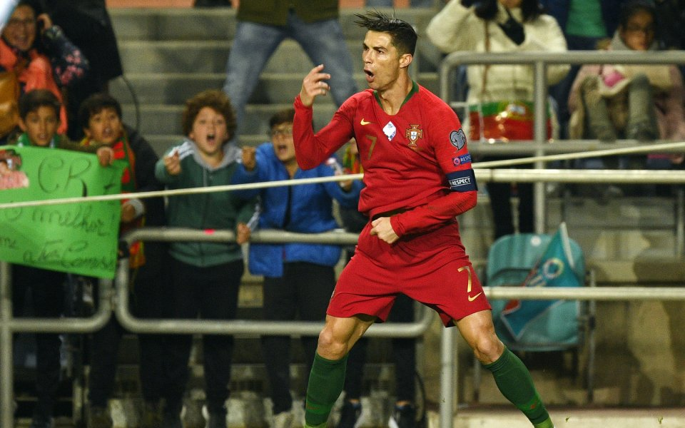 Кристиано Роналдо изнесе истински рецитал при победата на Португалия с