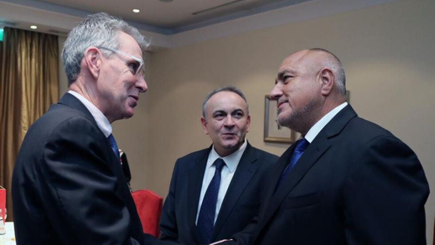 <p>България с&nbsp;20% дял в&nbsp;терминал&nbsp;за втечнен газ в&nbsp;Гърция</p>