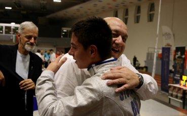 Министър Кралев награди призьорите от фехтовалния турнир Сабята на Етрополски