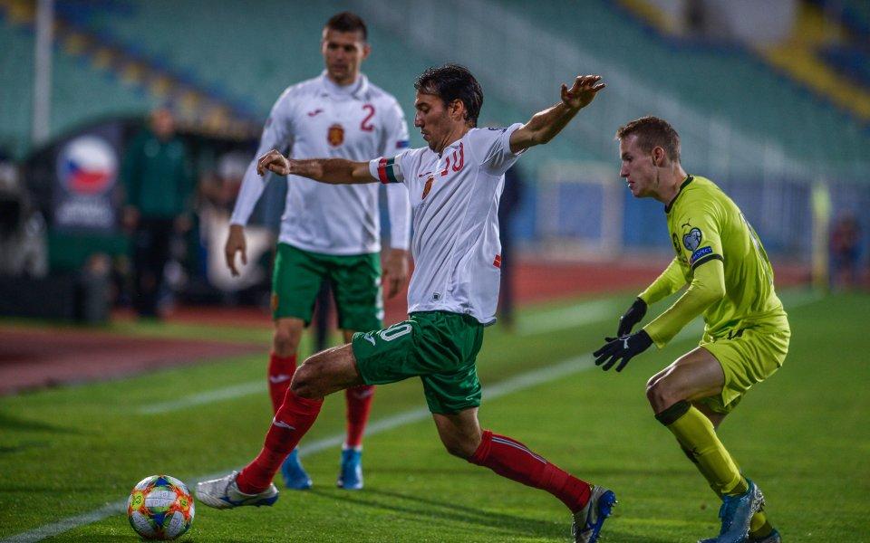 Капитанът на националния отбор на България - Ивелин Попов, обяви